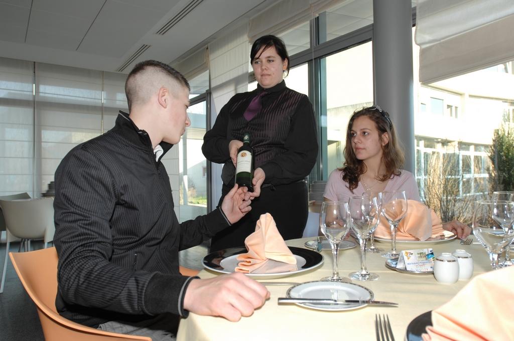 Nos formations en alternance aux m tiers de de l 39 h tellerie restauration et du tourisme - Brevet professionnel cuisine ...